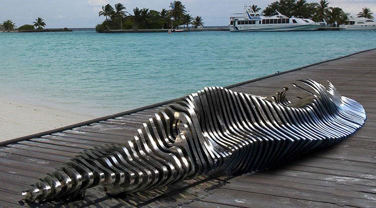 不锈钢抽象座椅雕塑装饰案例